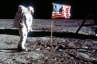 Imágenes De Astronautas En La Luna bandera