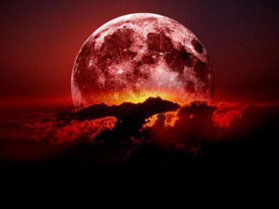 Imágenes De Luna De Sangre nubes