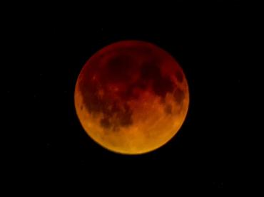 Imágenes De Luna De Sangre oscuro