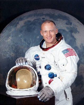imagenes del hombre en la luna cara