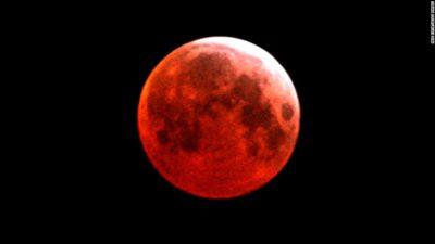 Imágenes De La Luna Sangrienta cielo oscuro