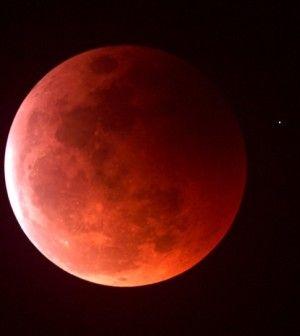 Imágenes De Luna De Sangre cerca