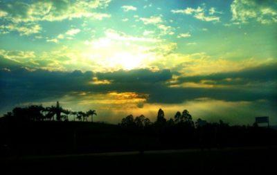 paisajes-atardecer-en-las-montanas